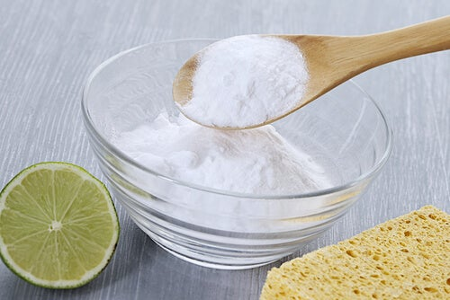 Bicarbonatul ajută la curățarea rufelor