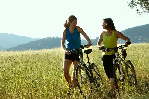 Exercițiile fizice ameliorează constipația
