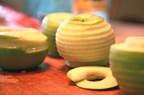 Fructe decojite
