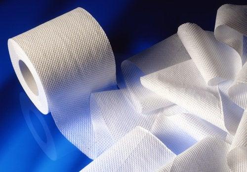 Dacă ai hemoroizi, nu folosi hârtie igienică aspră