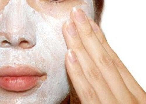 Exfolierea pielii prin metode naturale
