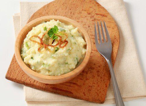 Piureul de cartofi este un preparat foarte delicios