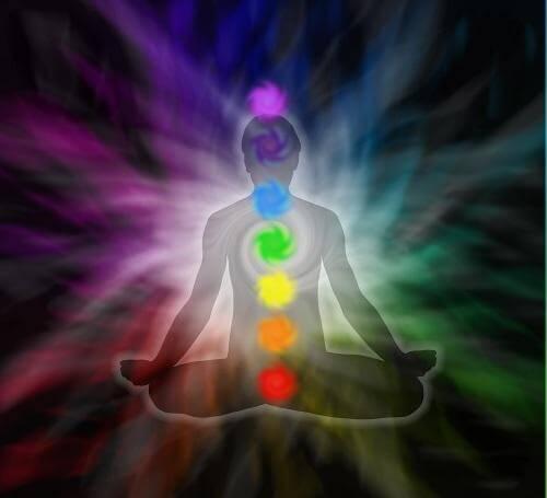 Sfaturi pentru a-ți vindeca chakrele prin meditație