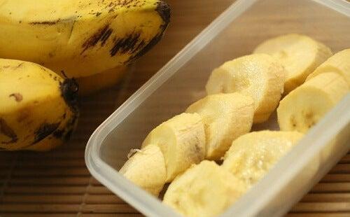 Bananele sunt un aliment ideal pentru a avea un somn odihnitor