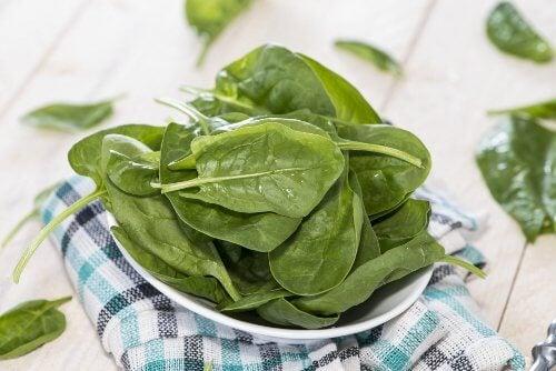 Spanacul este una dintre cele mai sănătoase legume