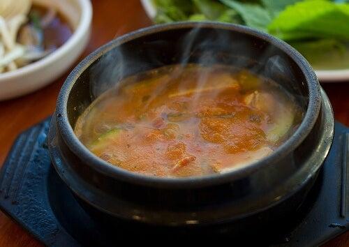 Consumă supe medicinale pentru a te însănătoși