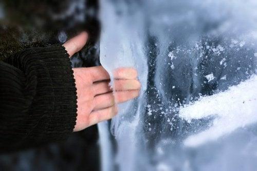 Terapia cu gheață pentru mâini