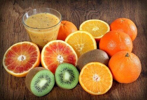 Alimente bogate în vitamina C care previn sângerările nazale