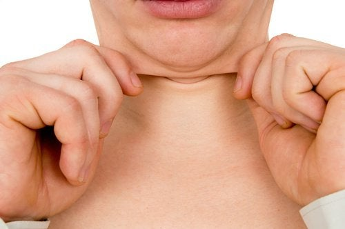 Bărbia dublă poate indica prezența anumitor probleme de sănătate