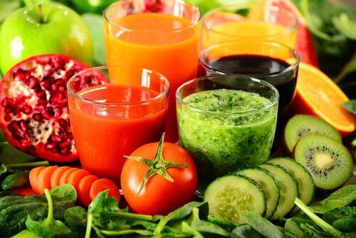 Băuturi detoxifiante pentru slăbit sănătos