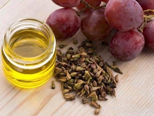 Beneficiile sâmburilor de struguri extrași din struguri roșii