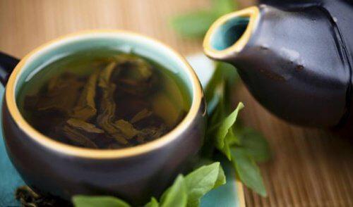 Ceaiul verde ajută la detoxifiere