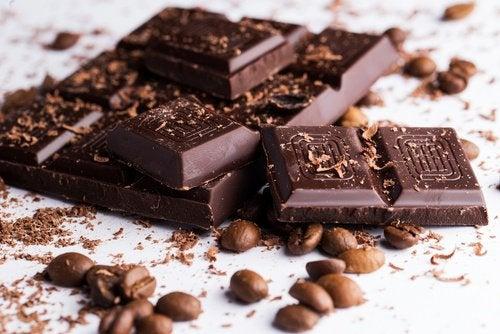 În ciocolată se găsește mai puțină cofeină decât în cafea