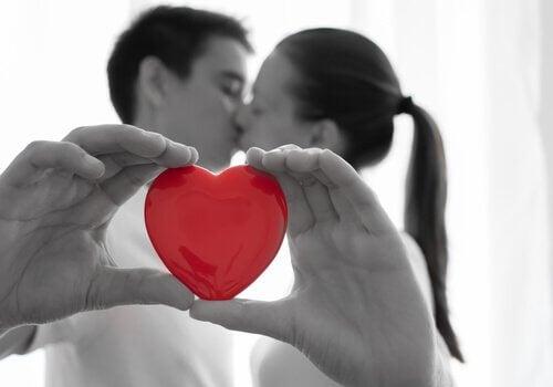 Relație de cuplu de succes bazată pe dragoste