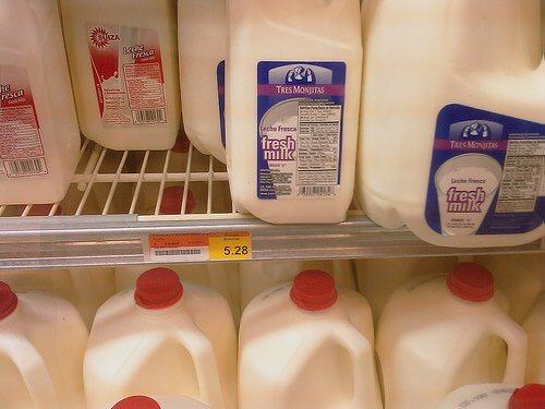 Laptele nu este mereu un aliment benefic pentru intestinele noastre