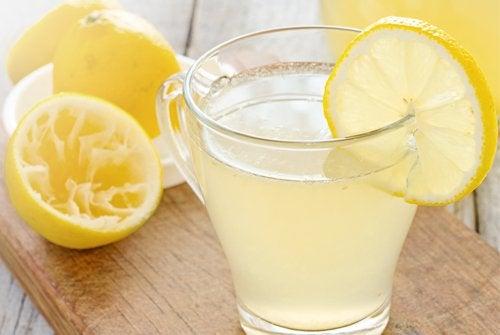 Limonada te scapă de kilogramele în plus