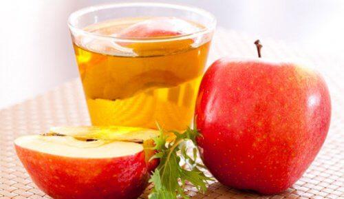 Prepară o loțiune tonică pe bază de oțet de mere