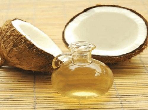 Pastă de dinți naturală pe bază de ulei de cocos