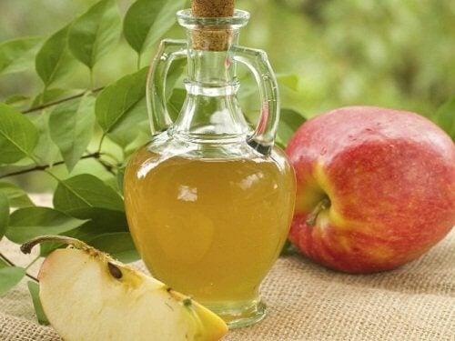 Placa bacteriană eliminată cu oțet de mere