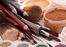 Unele produse cosmetice nu se împart cu alte persoane