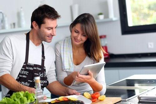 Relație de cuplu de succes prin colaborare