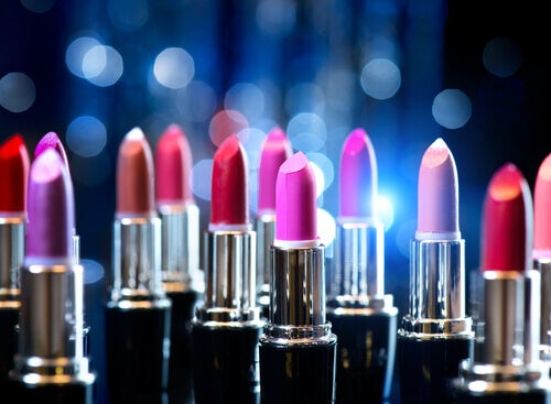 Rujurile sunt produse cosmetice care nu se împrumută