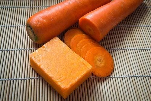 Un săpun cu morcovi este benefic pentru piele