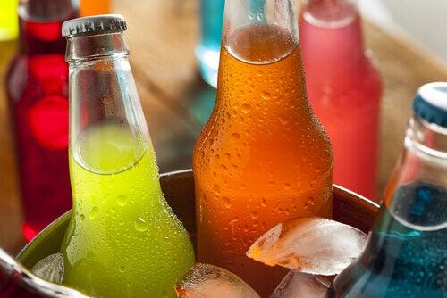 Adevărul despre băuturile răcoritoare pline de arome