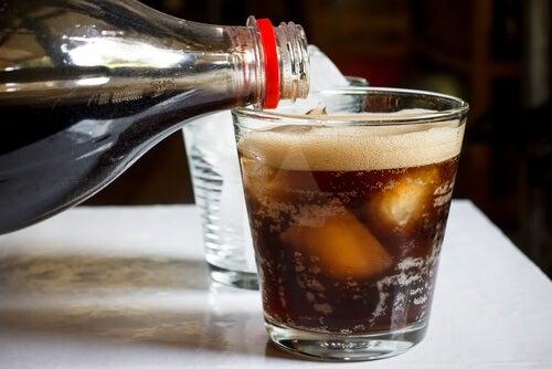 Adevărul despre băuturile răcoritoare