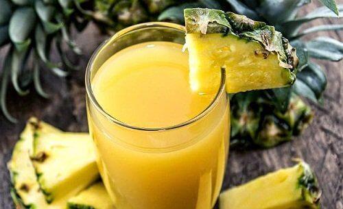 Ananasul și menta sunt o combinație sănătoasă