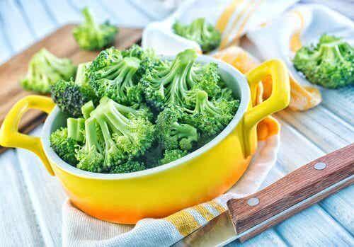 Consumul de broccoli și beneficiile acestuia