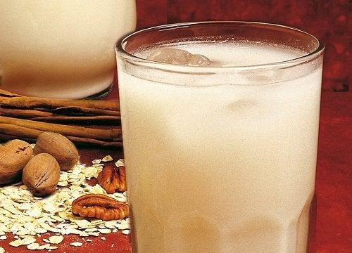Ceaiul de ovăz facilitează digestia