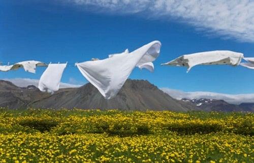 Detergent organic făcut în casă pentru a spăla rufe