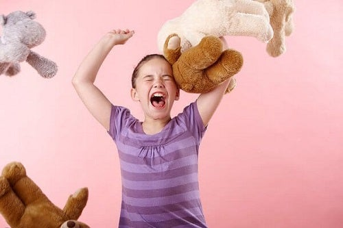Educația copiilor trebuie să includă lecții împotriva acceselor de furie