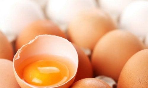 Gălbenușul de ou stopează căderea părului