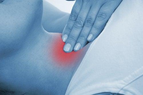 Problemele cu glanda tiroidă afectează multe femei