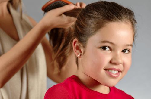 Părul copiilor trebuie îngrijit la fel ca cel al adulților