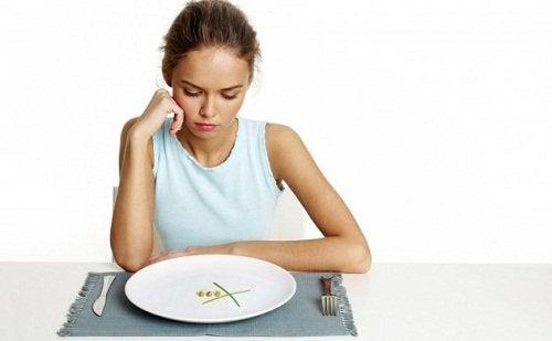Stresul te determină să nu mănânci porții mai mici
