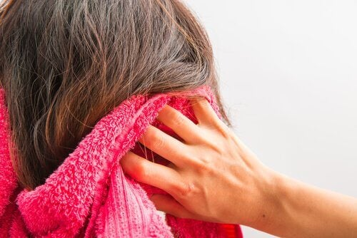 Probleme ale glandei tiroide care duc la căderea părului