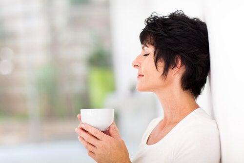 Remediu natural cu ghimbir benefic pentru femei