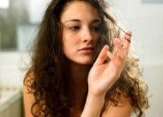 Rutinele de frumusețe adecvate te vor ajuta să remediezi părul creț