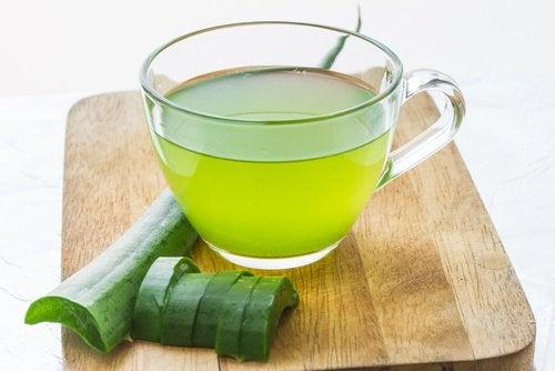 Sucul de aloe vera poate fi folosit ca remediu naturist