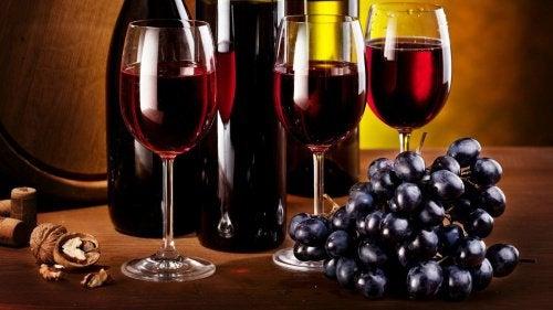 Un pahar de vin roșu ajută digestia