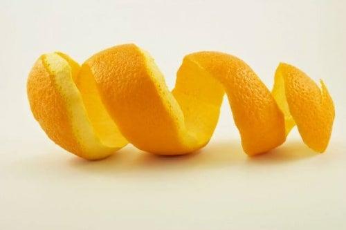 Cojile de portocală pot fi incluse în numeroase remedii naturiste