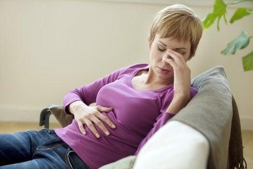 Colita ulcerativă provoacă dureri abdominale severe