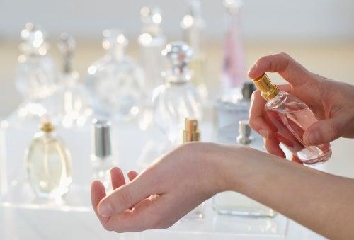 Cum să alegi parfumul în funcție de personalitate