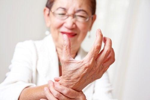 Curcuma ameliorează durerile articulare
