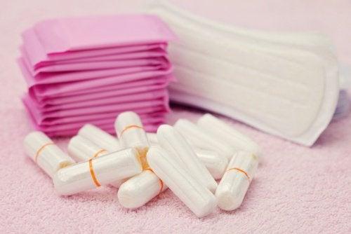 Produsele de igienă feminină pot fi dăunătoare
