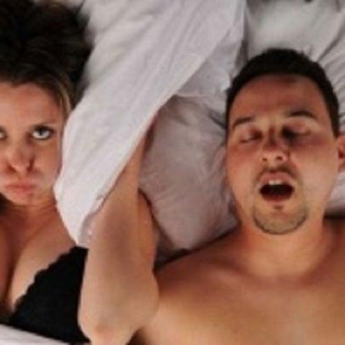 Sforăitul nostru ne poate frustra partenerul de viață