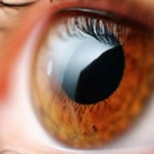 Slăbirea vederii este strând legată de înaintarea în vârstă